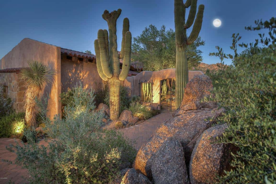 Image of a beautiful luxurious home in Scottsdale, Arizona.